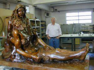 Franco Merighi con Pietà dell'Altomare